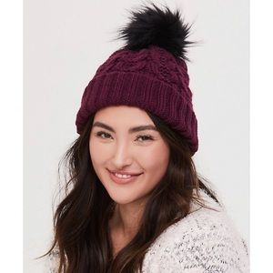 🆕 Burgundy Purple Winter Hat Toque Fluffy Pom NWT